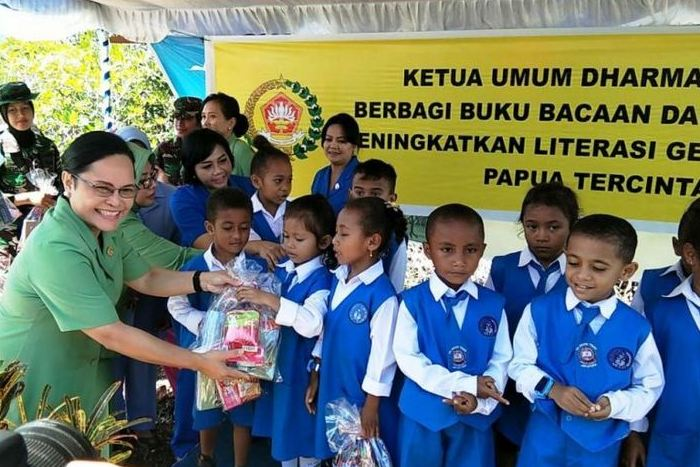 Encouraging Kids to Donate